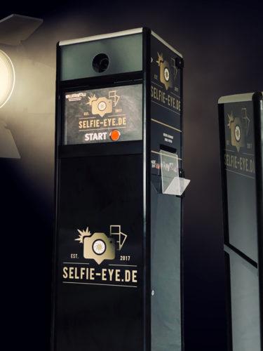 tower-box-MrSelfieEye